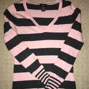 Woman's Rue 21 Sweater